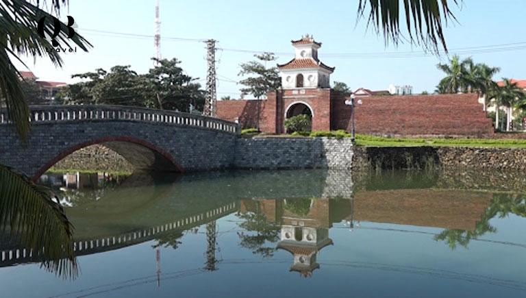 Thành Đồng Hới tồn tại từ năm 1812 dưới thời vua Gia Long và được xây dựng với mục đích quân sự