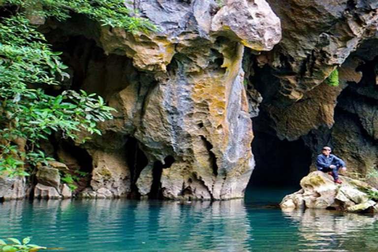 Thung lũng Sinh Tồn - Hang Thủy Cung
