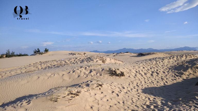 Trải nghiệm sự mới lạ, độc đáo của Cồn Cát Quang Phú với những cồn cát cao đến 100m và rộng vài km2