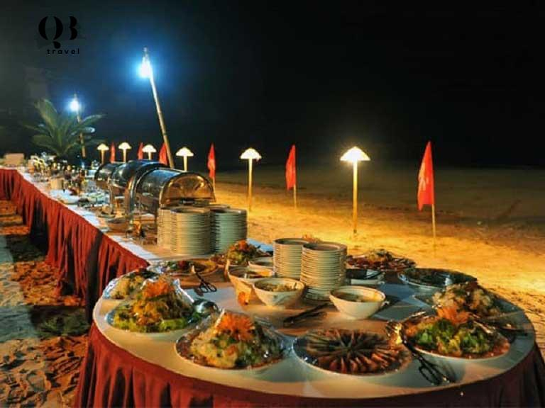 BBQ bãi biển được tổ chức ở Seasand Homestay