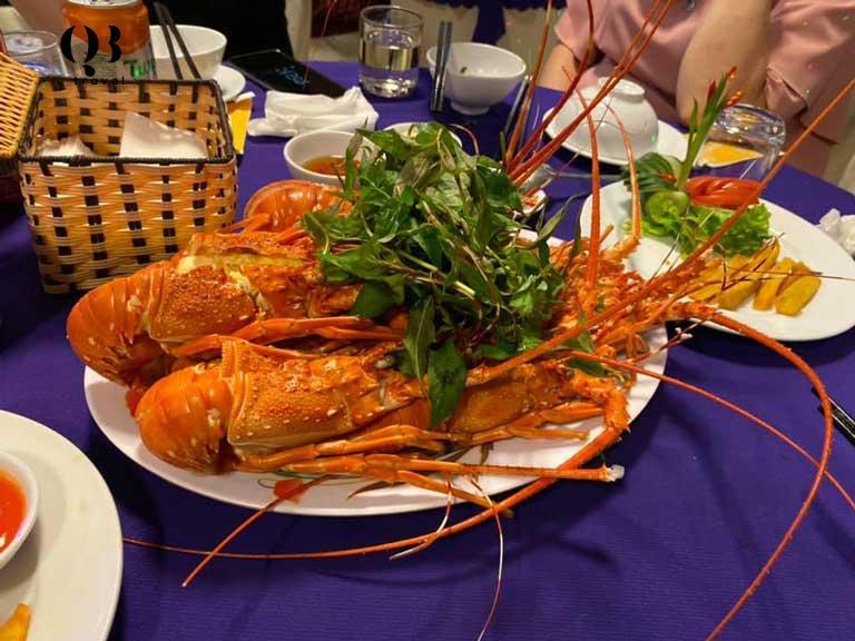 Ăn đêm ở Hải sản Mệ Toại say mê quên lối về.