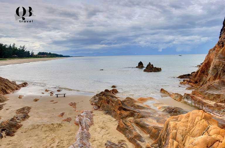 Bãi Đá Nhảy - Bãi biển Quảng Bình vô cùng kỳ thú