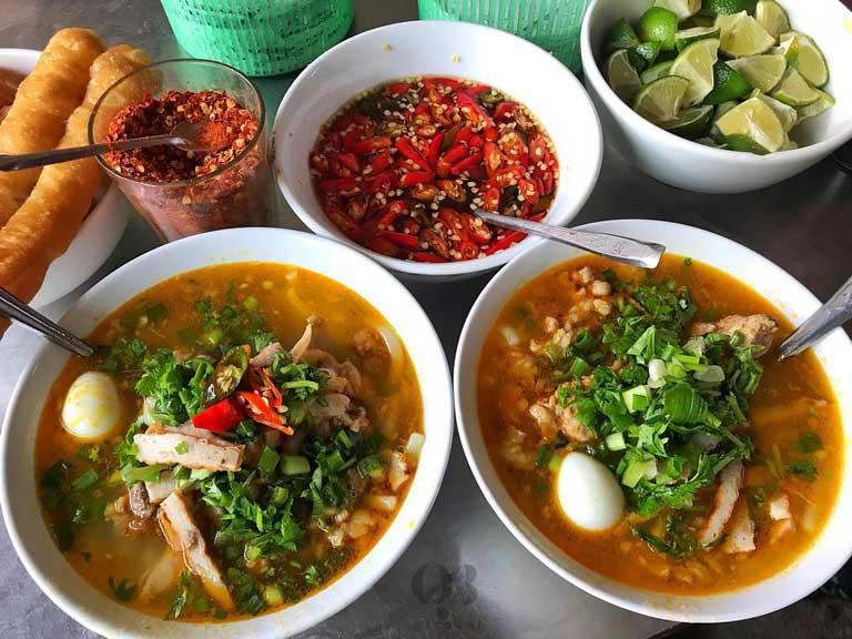 Bát bánh canh Quảng Bình được bán ở Đà Nẵng
