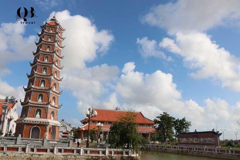 Chùa Hoằng Phúc Quảng Bình là ngôi chùa cổ có niên đại từ lâu đời