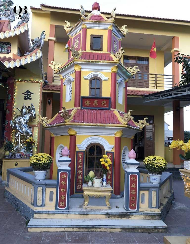 Bảo tháp hòa thượng Phổ Minh ở Sắc Tứ Phổ Minh Tự - Ngôi chùa nổi tiếng ở Đồng Hới