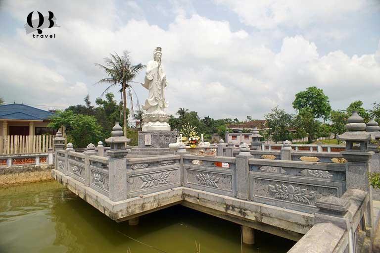 Tượng Phật bà Quán thế âm Bồ tát