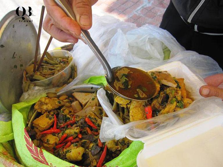 Cơm gà Lạc Sơn - món ăn nuôi sống người dân nơi đây