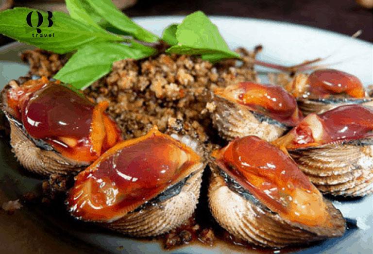Đặc sản Quảng Bình, Sò huyết lá chanh thơm ngơn, đậm vị