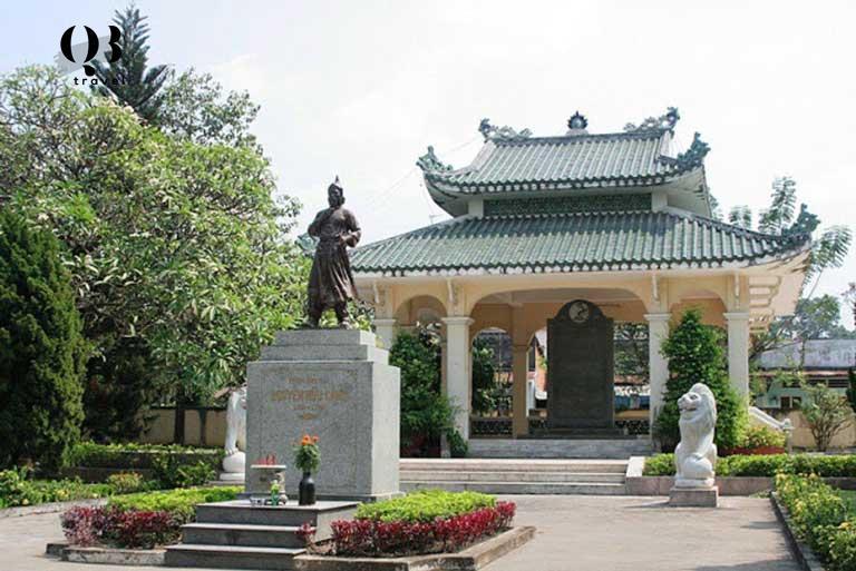 Đền thờ Nguyễn Hữu Cảnh ở chợ Biên Hòa