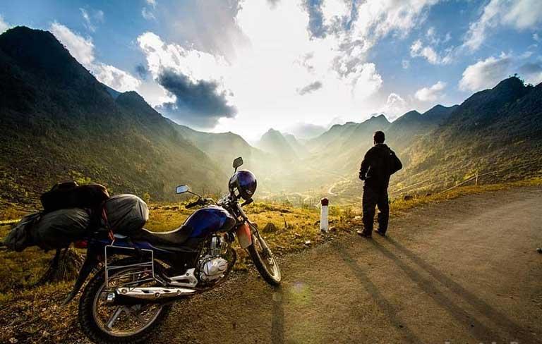 Cưỡi xe máy tự mình đi phượt