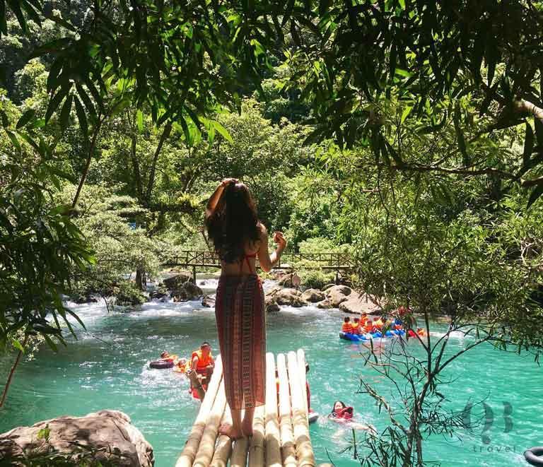 Địa điểm sống ảo thơ mộng tại suối Nước Moọc Quảng Bình