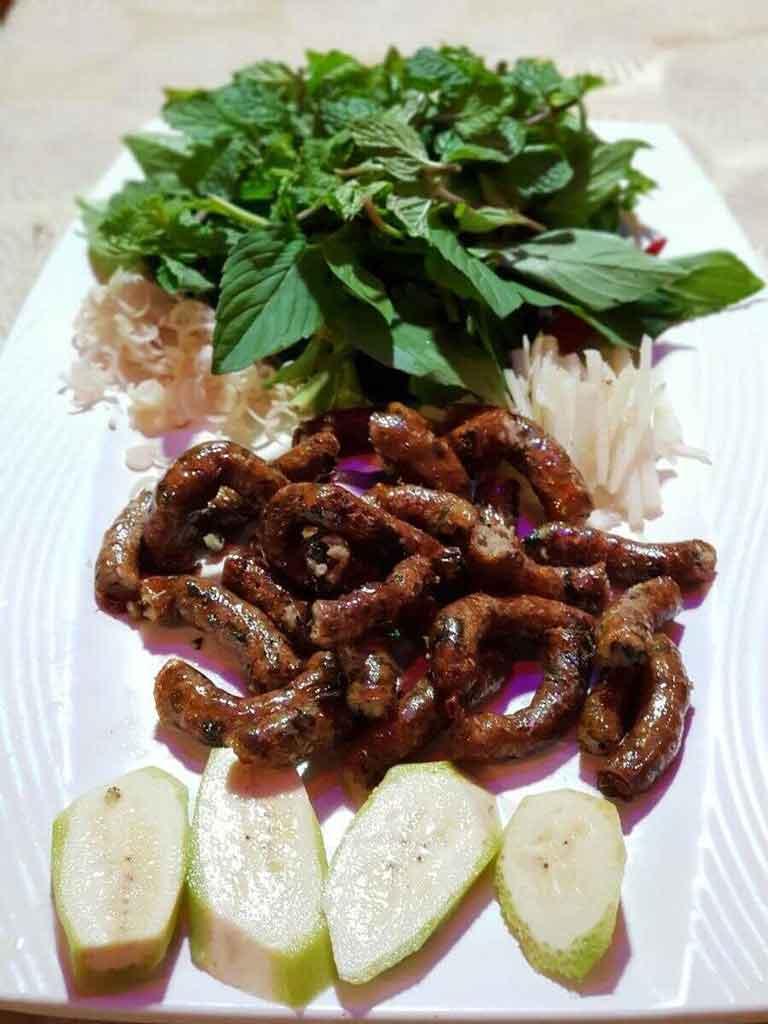 Món dồi lươn nướng nổi tiếng tại quán