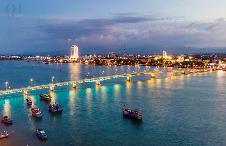 Bạn nên du lịch biển Đồng Hới vào mùa khô từ tháng 4 đến tháng 9
