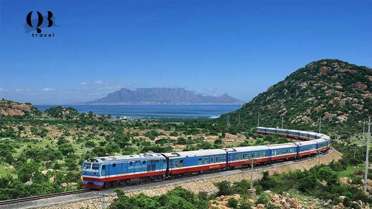 Tàu hỏa là phương tiện phổ thông rất được người nước ngoài ưa chuộng