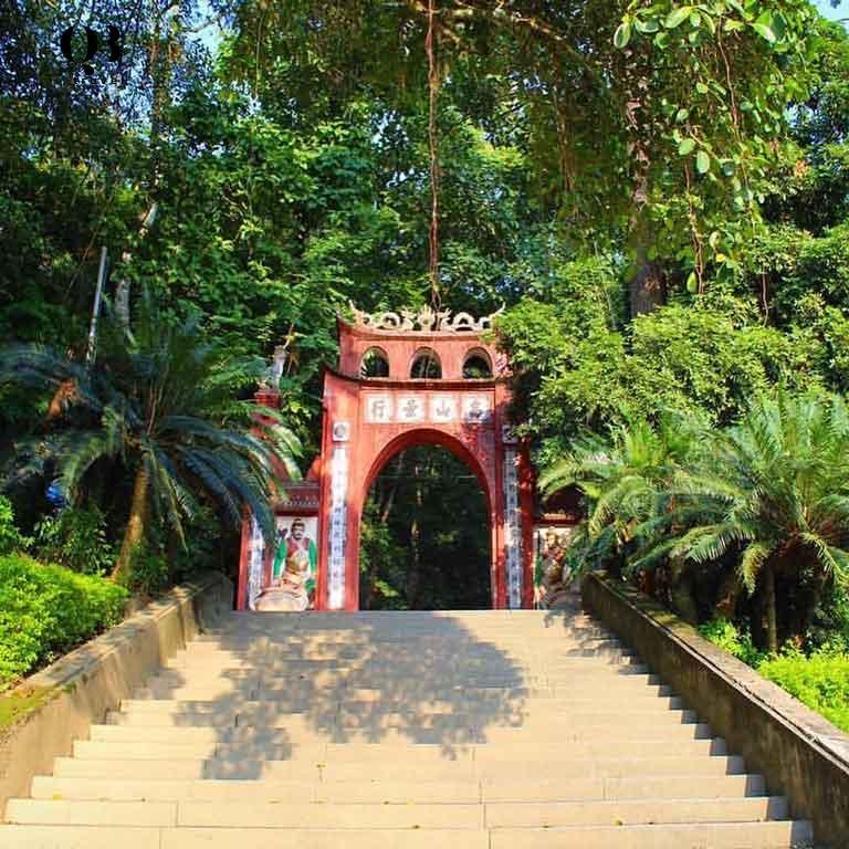 Du lịch tâm linh lưu giữ những giá trị văn hóa tốt đẹp