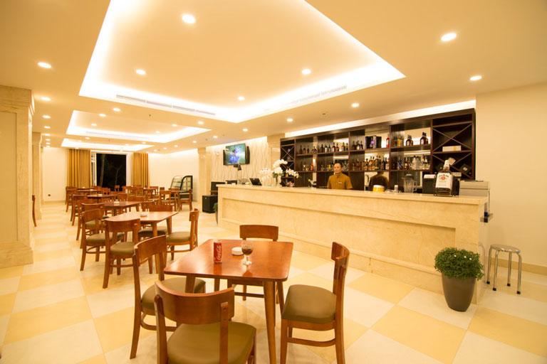 Nhà hàng và quán bar sang trọng của Gold Coast Hotel Resort & Spa