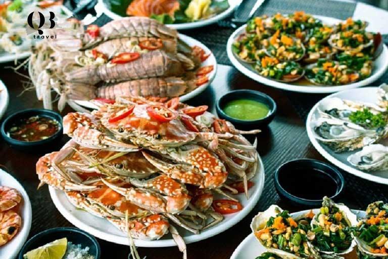 Các món hải sản hấp dẫn tại biển Đá Nhảy