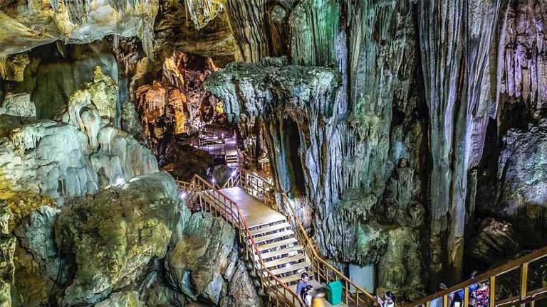 Khám phá nét đẹp của hang động Tiên Sơn thuộc Phong Nha Kẻ Bàng