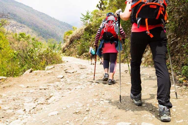 Những trang phục phù hợp khi trekking Quảng Bình