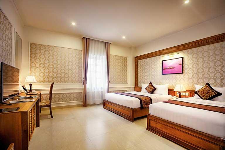 Nội thất trong khách sạn được thiết kế sang trọng, trang nhã