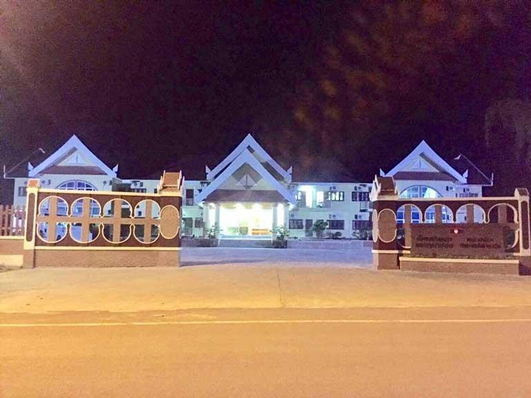 Khách sạn mặt tiền đường Trương Pháp, biển Nhật lệ