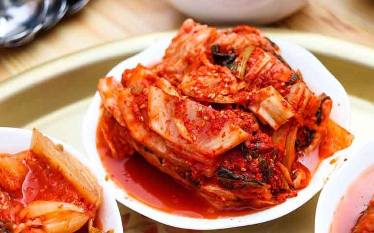 Kim chi ăn kèm với thịt ba chỉ nướng