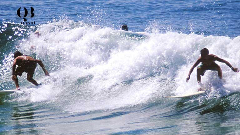 Các hoạt động vui chơi lướt sóng tại biển Nhật Lệ Quảng Bình