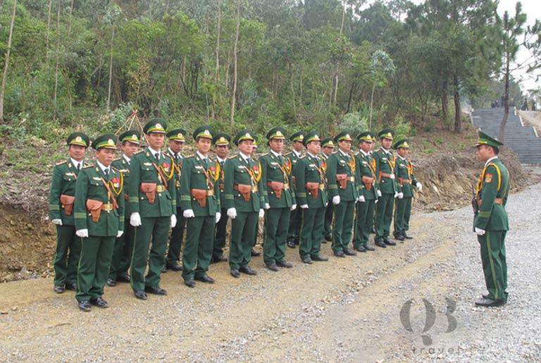 Bộ đội chiến sĩ bảo vệ nơi an nghỉ của Đại tướng