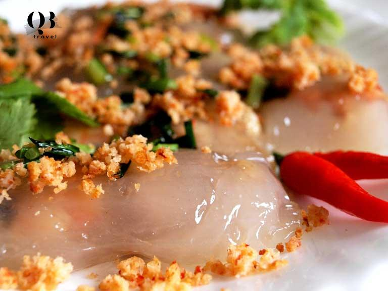 Sức hấp dẫn rất riêng của chiếc bánh lọc Quảng Bình