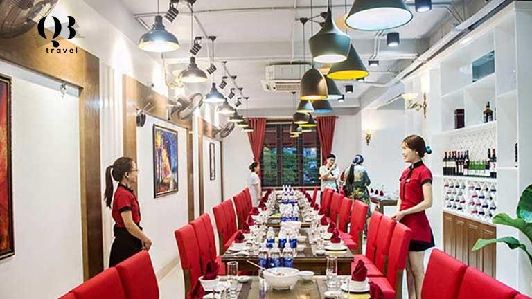Một góc sang trọng và tính tế của Nhà hàng Cánh Buồm Đỏ