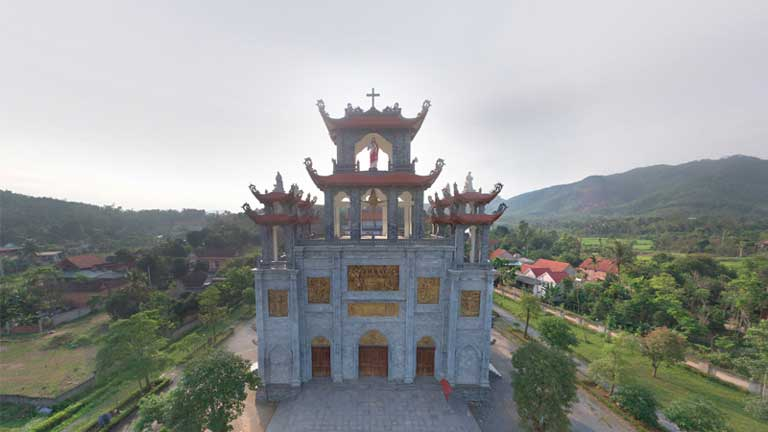 Ngôi nhà thờ gỗ giáo xứ Gia Hưng huyện Bố Trạch