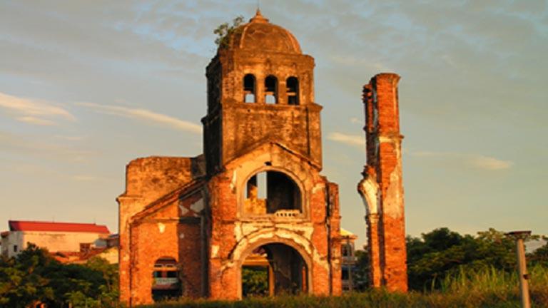 Ngôi nhà thờ công giáo cổ kính theo dòng thời gian lịch sử