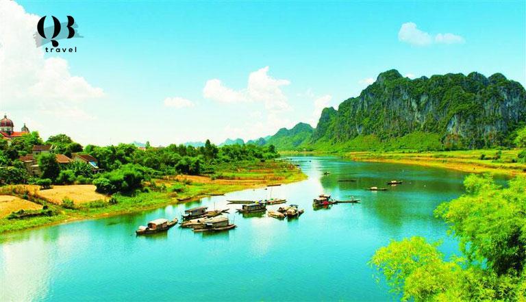 Vẻ đẹp trời cho của dòng sông biểu tượng vùng đất Quảng Bình