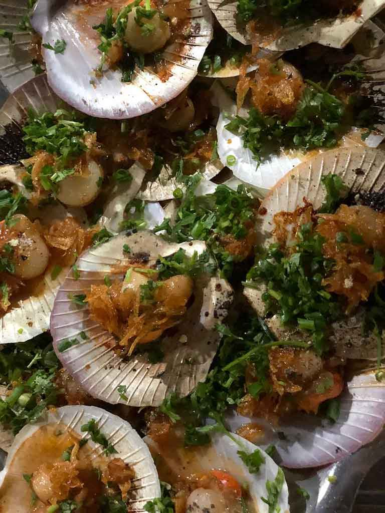 Thưởng thức các món nướng ngon ngay cạnh bờ biển Nhật Lệ