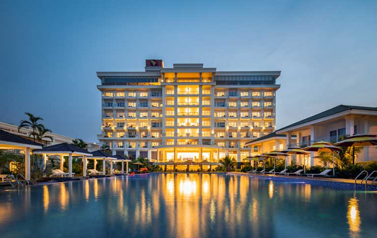 Gold Coast Hotel Resort & Spa rực rỡ ánh đèn