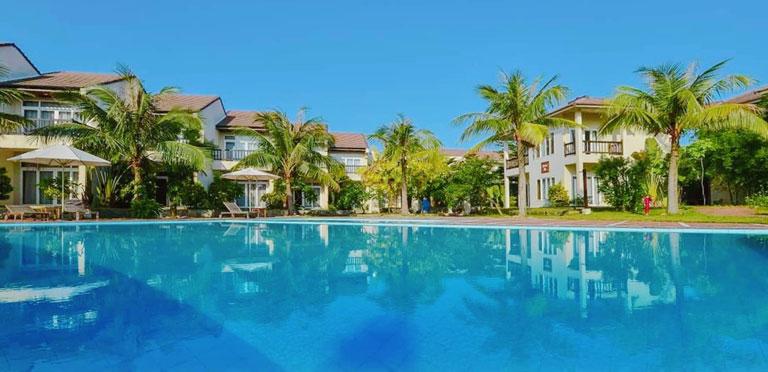 Bảo Ninh Resort với không gian thoáng đãng, xanh tươi