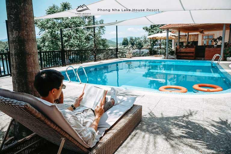 Không gian yên bình ở Phong Nha Lake House - khu resort Quảng Bình có view đẹp xanh mát