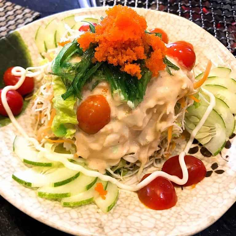Salad tặng kèm khi ăn combo tại Thái Bình BBQ