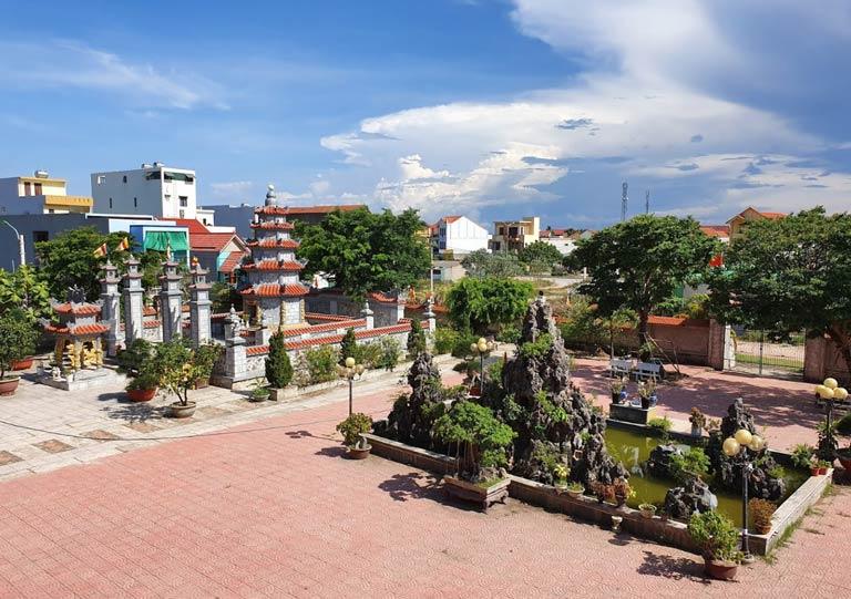 Khuôn viên chùa Đại Giác Đồng Hới cực lớn