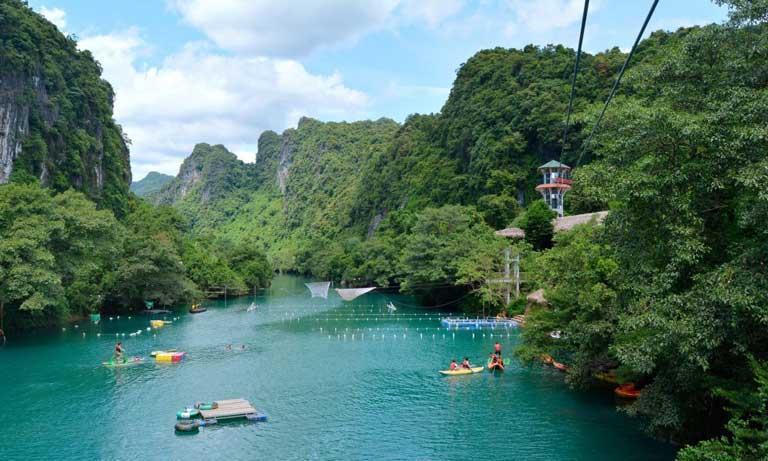 Sông Chày Hang Tối - điểm đến thu hút các bạn trẻ