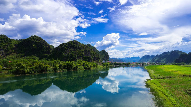 Thắng cảnh tuyệt mỹ nơi sông Son