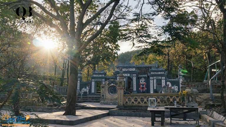 Vẻ đẹp yên bình nơi đền thờ Thánh mẫu