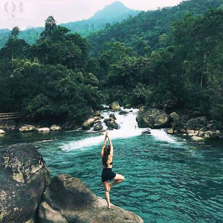 Vẻ đẹp của suối nước Moọc Quảng Bình khó có nơi nào sánh được