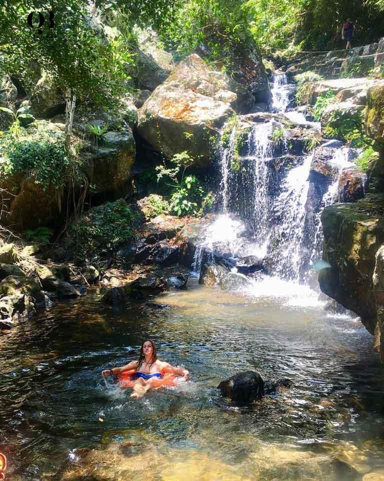 Điểm tham quan Hồ Vàng Anh thích hợp cho các hoạt động thư giãn, nghỉ ngơi của du khách khi đến Vườn thực vật