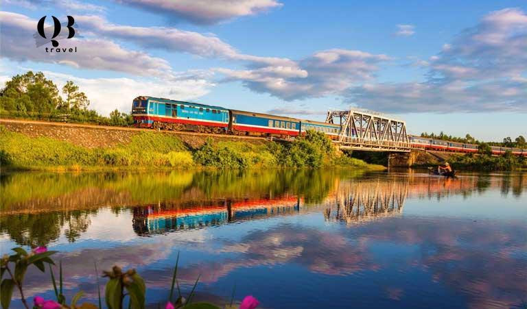 Di chuyển đến Đồng Hới bằng đường sắt là trải nghiệm thú vị mà du khách nên thử