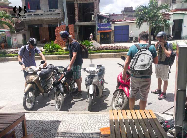 Thuê xe máy tại Đồng Hới để di chuyển vừa tiết kiệm chi phí, vừa tiện lợi