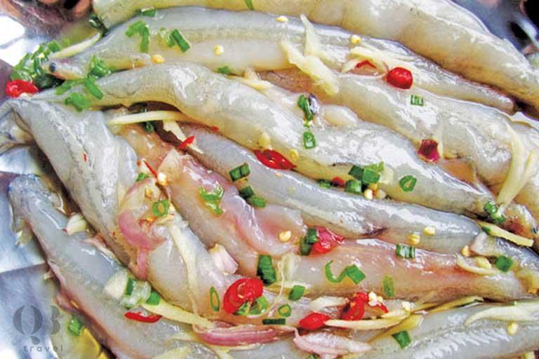 Ướp cá khoai cho tăng thêm hương vị