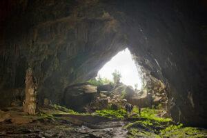 Vẻ đẹp hoang dại của điểm du lịch hang Chuột