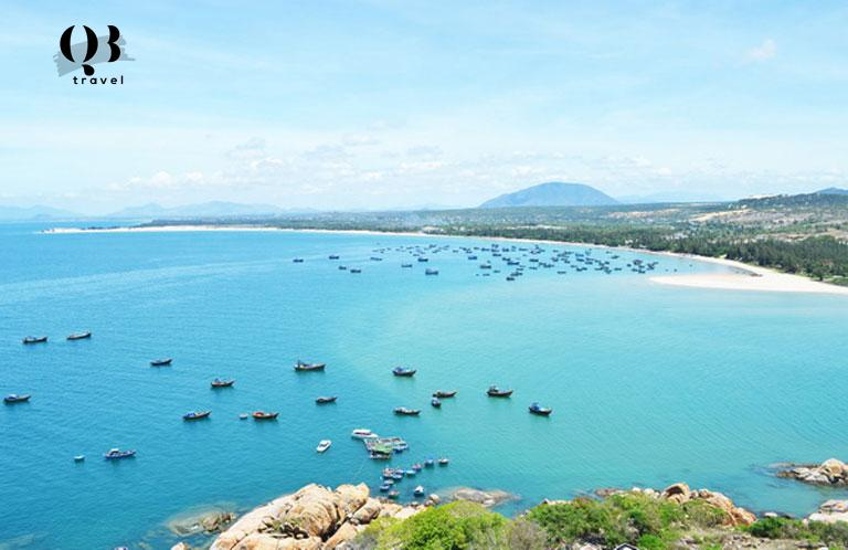 Vẻ đẹp tuyệt tác của biển Quang Phú Quảng Bình