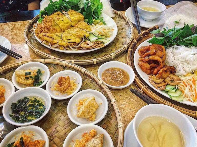 Bánh xèo Quảng Bình là món ăn rất được ưa chuộng